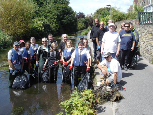 River clean team